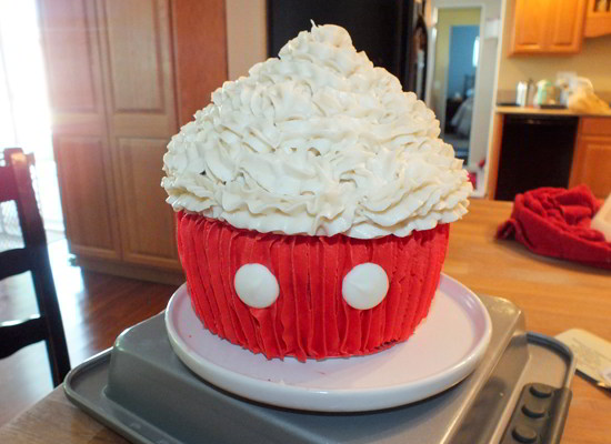 Mickey Mouse Cupcake Cake - White Candy Melts for Buttons