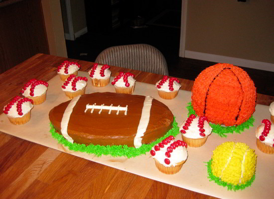 Grass on Sports Cakes