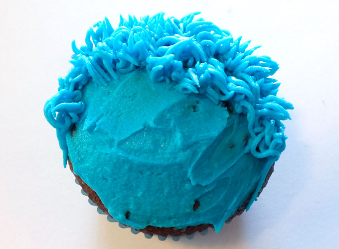 Use Wilton Frosting Tip #233 to create Cookie Monster Fur