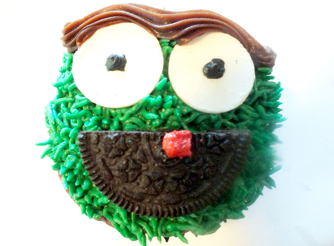 How To Make Oscar The Grouch Cupcakes Two Sisters