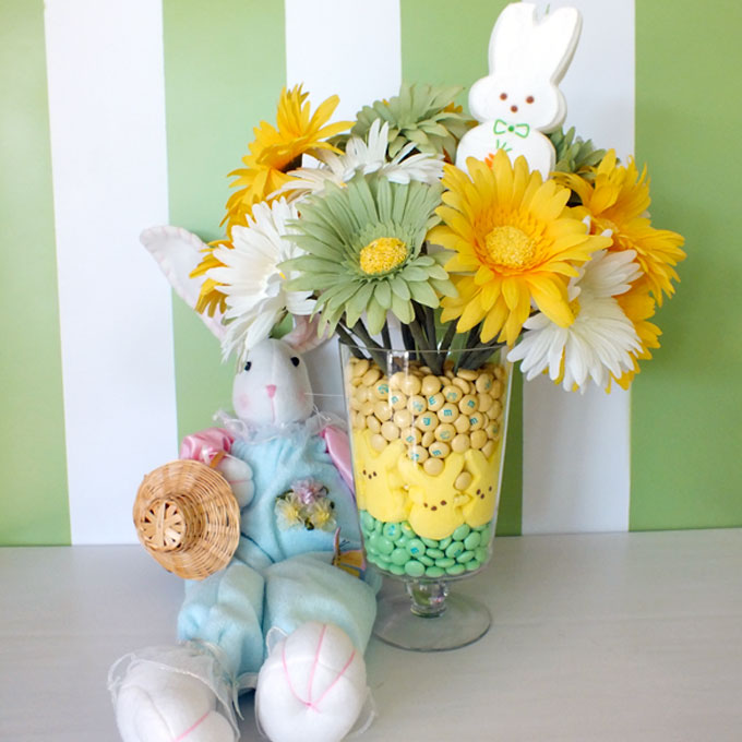 Easter Peeps Centerpiece   Find Out How To Make This Pretty Easter  Centerpiece Using Peeps,