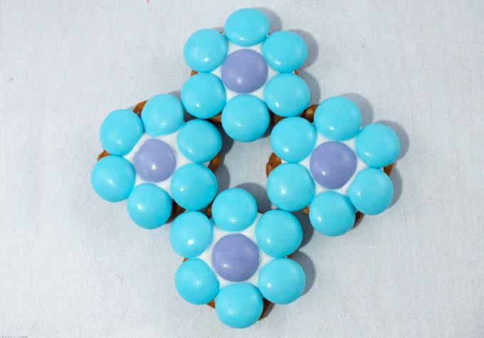Blue and Lavender Flower Pretzel Bites