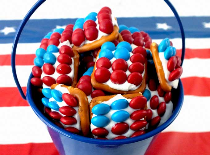 These Fun Patriotic Pretzel Bites Are The Perfect Fourth Of July Dessert For A 4th