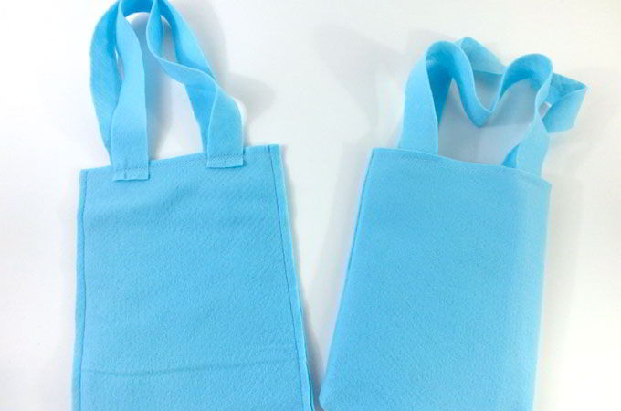 Finishing up the Elsa Party Favor Bags