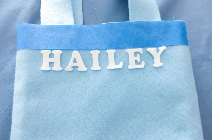 Personalizing the Elsa Party Favor Bags