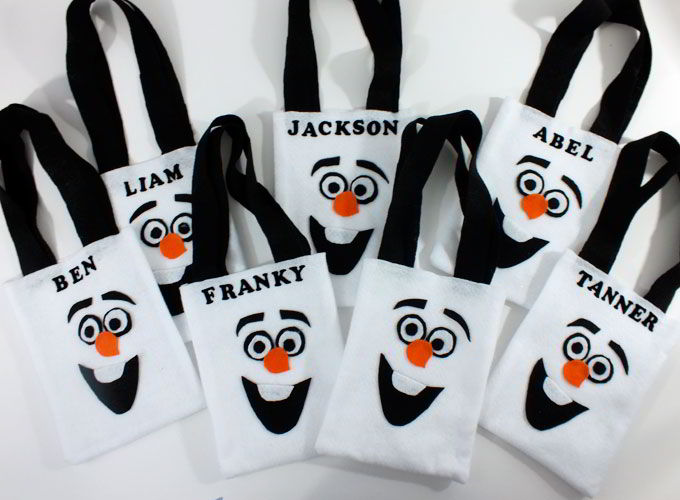 Disney Frozen Olaf Party Favor Bags - so adorable and one of our favorite crafts from