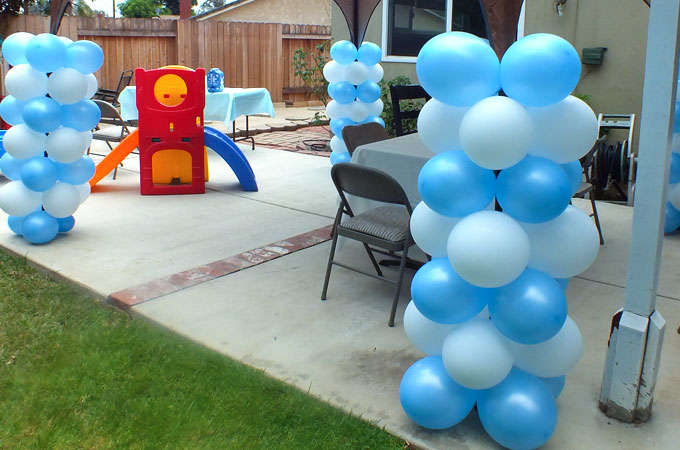Disney frozen balloon decorations two sisters for Balloon decoration for birthday at home