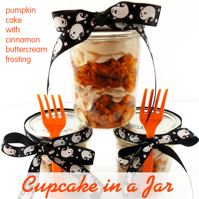 Cupcake in a Jar - Pumpkin Cake with Cinnamon Buttercream
