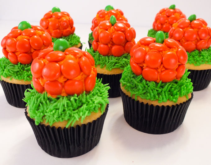 how to make halloween pumpkin cupcakes