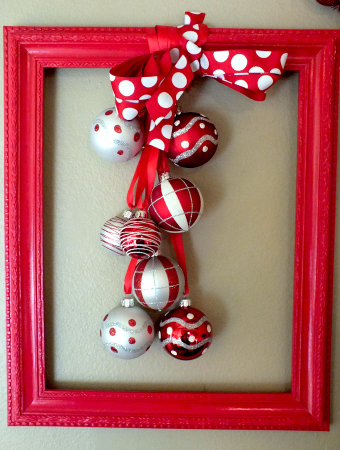 unconventional christmas wreath - Christmas Wall Hanging Decorations