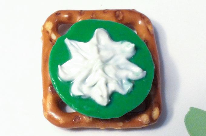 Christmas Star on your pretzel bite