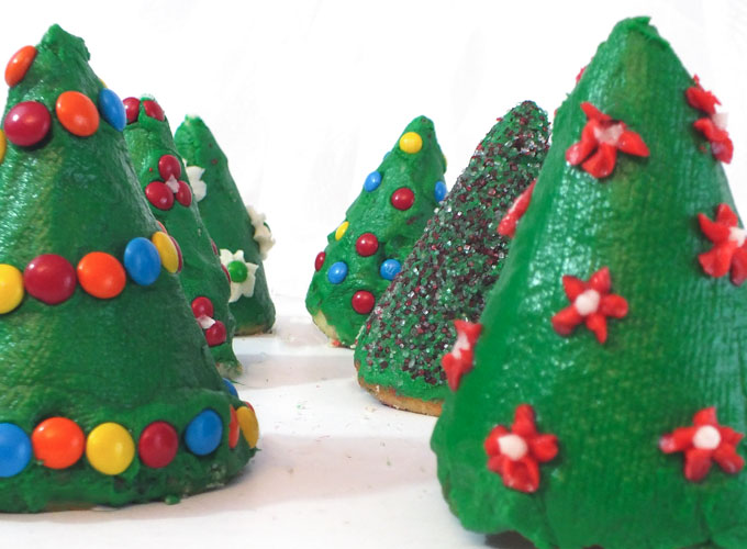 christmas tree cupcakes for kids delicious christmas treats and a fun holiday baking activity for