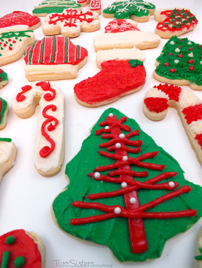 decorating christmas cookies is our favorite holiday tradition and we have the best sugar cookie and - Decorated Christmas Sugar Cookies