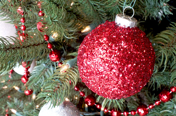 these red glitter christmas tree ornaments are so easy to make and will be unique and - Glitter Christmas Tree