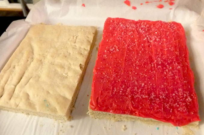 Frosting the Christmas Sugar Cookie Bars