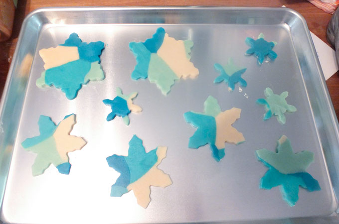 Elsa's Frozen Fractal Sugar Cookies - reading to bake
