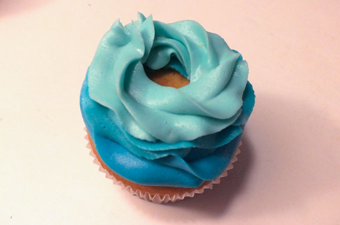 Third Swirl for the Frozen Ombre Swirl Cupcakes