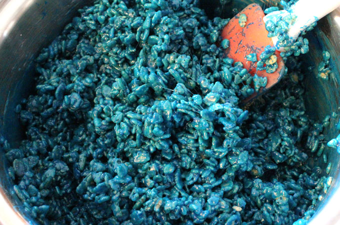 Blue Rice Krispie Treats mixture