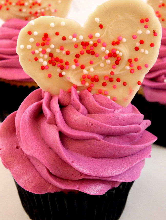 Valentine S Day Cupcakes Two Sisters