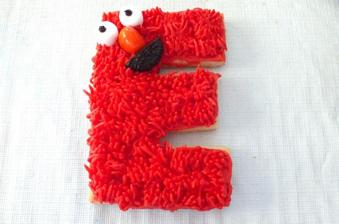Use black icing for Elmo's eyeball's