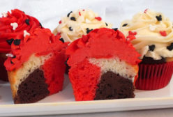 Mickey Mouse Marble Cupcakes