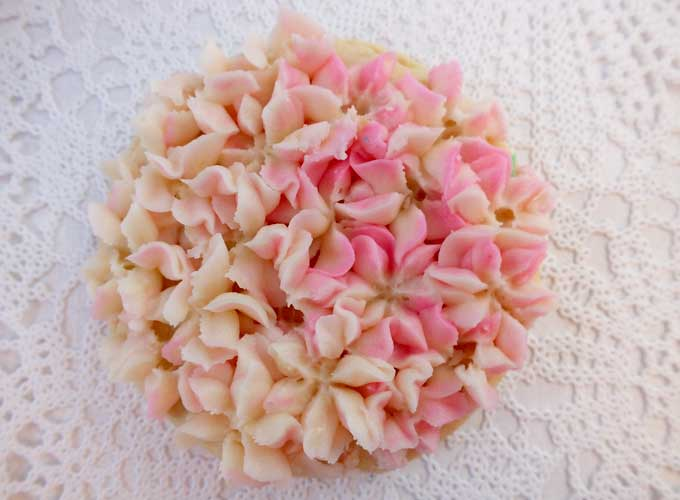 Hydrangea Frosted Sugar Cookie in Pink & Ivory