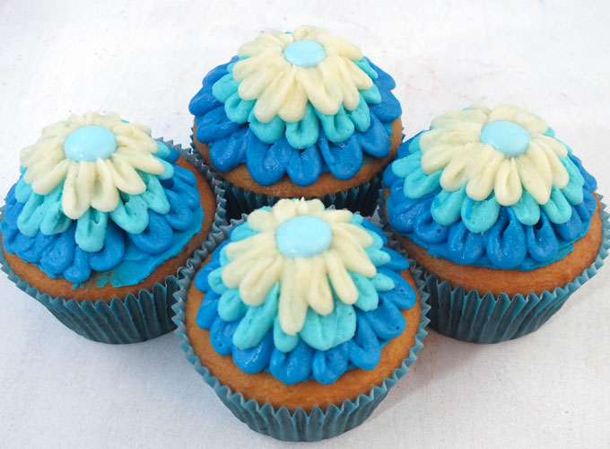 Frozen Elsa S Ombre Cupcakes Two Sisters