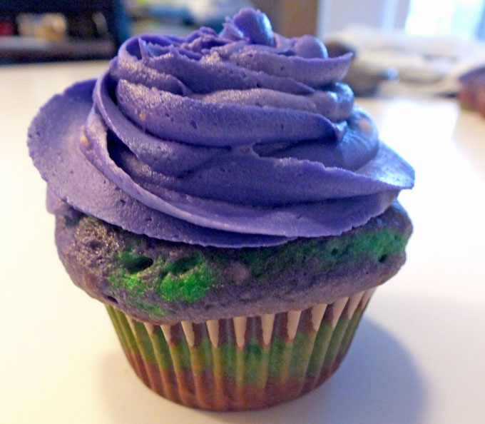 how to make black frosting without black food coloring