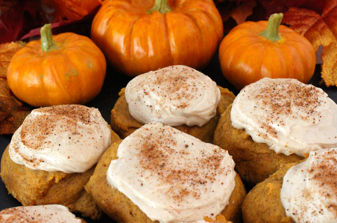 Pumpkin Spice Cookies with Cinnamon Cream Cheese Frosting ...