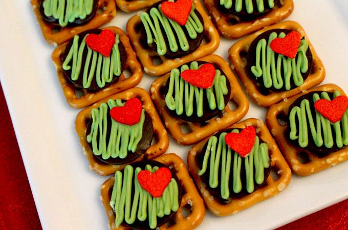 Grinch Pretzel Bites