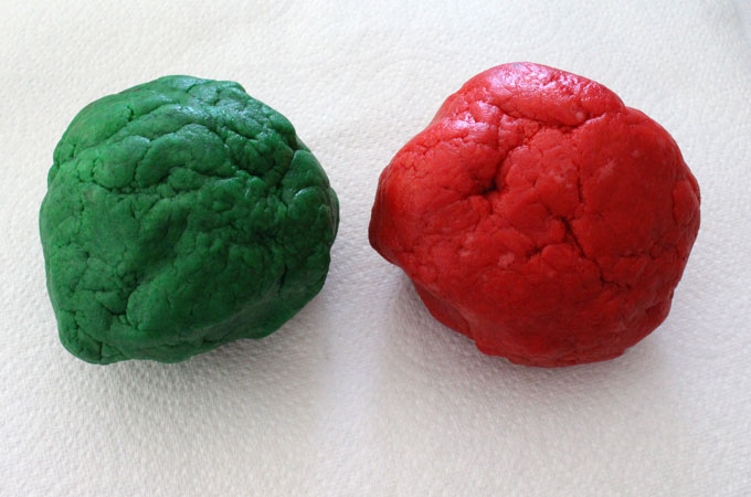 Tint dough in red and green