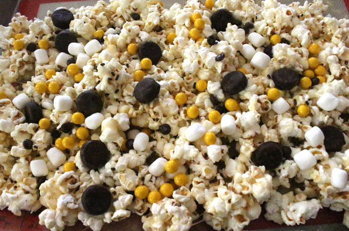 Black Tie Popcorn with Candy