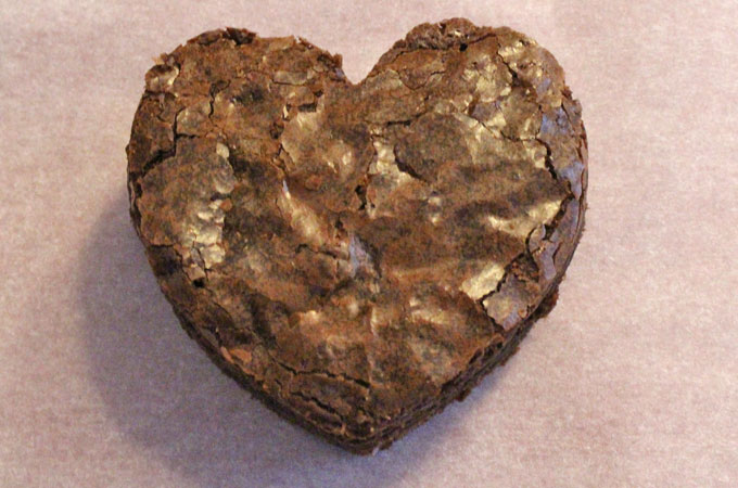 Cut out a heart from the Brownie