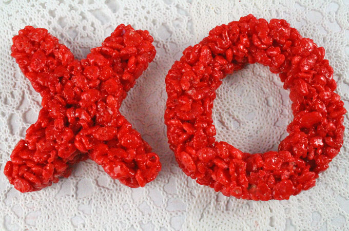 Our Ombre colored XOXO Rice Krispie Treats are adorable, delicious and make the perfect Valentines Day Treat. Easy to make, this super cute Valentines Day dessert is a great way to show your family that you love them. Follow us for more fun Valentines Day Food ideas.