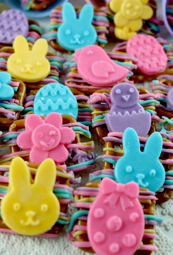 Our easy to make Easter Candy Pretzel Bites are delicious bites of sweet and salty goodness and a perfect Easter Treat. Pretzels and Candy Melts combine to make a unique Easter Dessert in beautiful spring colors. Follow us for more fun Easter Food Ideas.