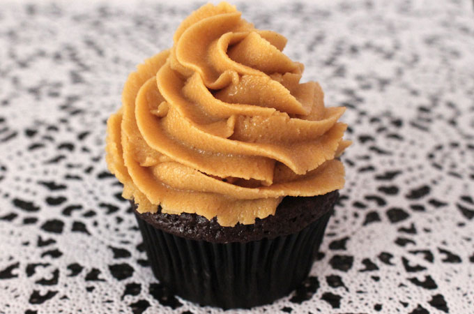 how to make peanut butter frosting for cupcakes