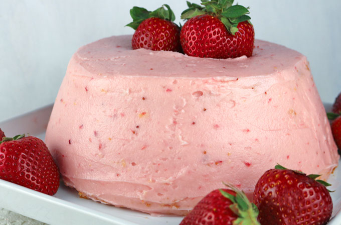 The best strawberry buttercream frosting two sisters homemade strawberry buttercream frosting never use store bought again teaming with fresh strawberries forumfinder