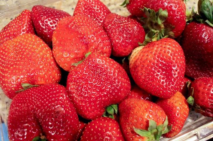 Fresh Strawberries for Strawberry Buttercream Frosting