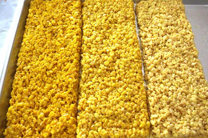 Rows of Yellow Rice Krispie Treats