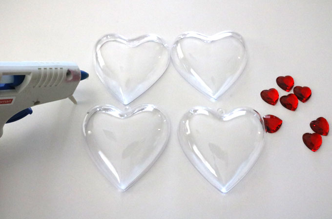 Supplies for the Plastic Heart containers