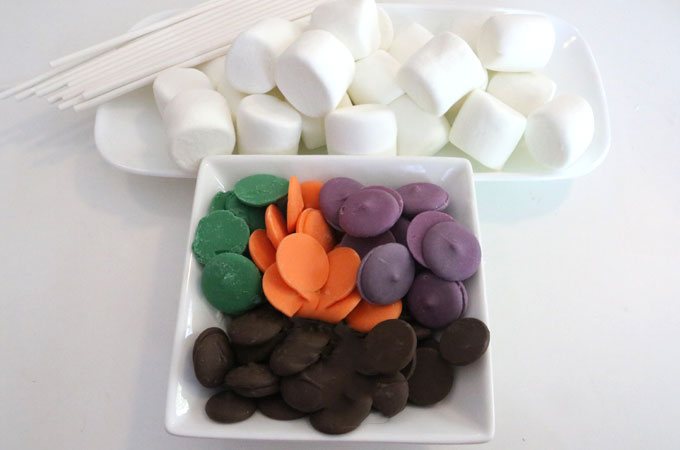 Ingredients for Halloween Marshmallow Pops