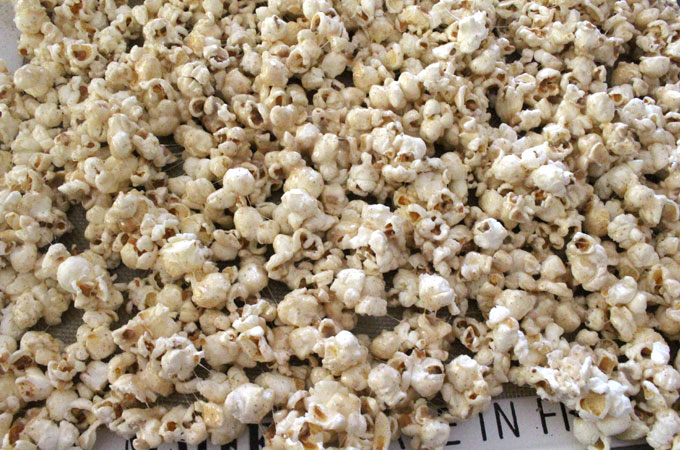Allow the Pumpkin Spice Popcorn to cool