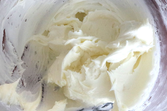 The Best Eggnog Buttercream Frosting
