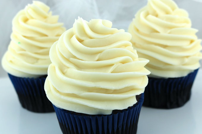 Cream Cheese Frosting Cake Decorating