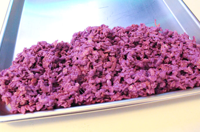 Assembling the Celebration Rice Krispie Treats