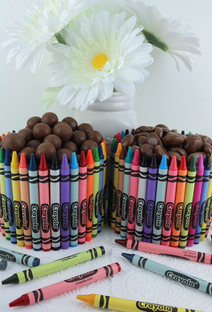 Crayon Candy Dish Teacher Gift - We have step by step directions for making this adorable and easy to make Crayon Candy Dish that is perfect for a Teacher Appreciation Gift or an end of the year Teacher Gift. Pin this fun Homemade Gift for later and follow us for more great Teacher Gift ideas.