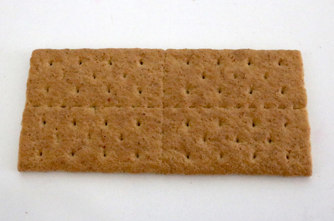 How to make American Flag Frosted Graham Crackers