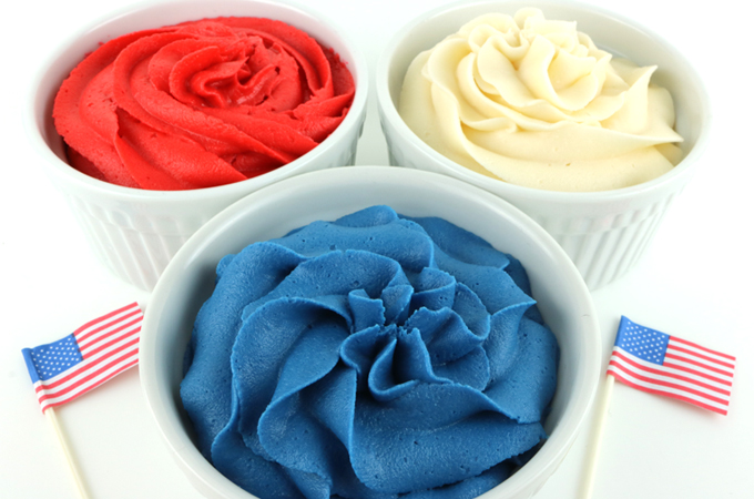 How to Make Patriotic Frosting - Two Sisters