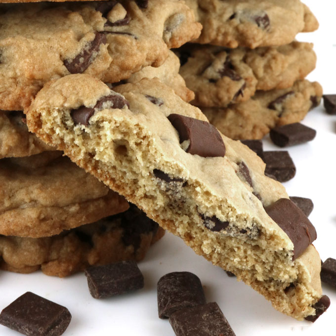 Chocolate Chip Cookies - take a classic cookie to the next level with Nestle Toll House Chocolate Chunks. This is a great chocolate chip cookie recipe that you'll find yourself going back to again and again.These easy to make Chocolate Chunk Cookies are the homemade cookies you've been looking for. Pin this melt in your mouth chocolate chip cookie recipe for later and follow us for more yummy cookie ideas.