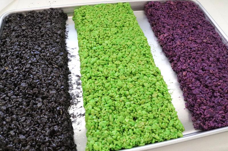 How to Make Graveyard Rice Krispie Treats